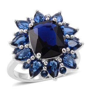 Beautiful Blue Flower Ring Size 11